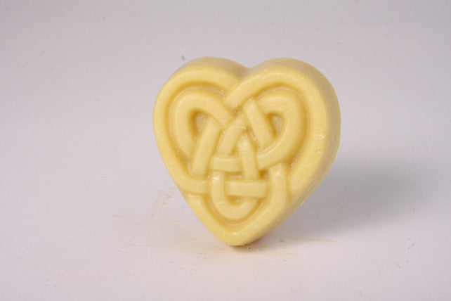 Hearts Celtic Knot - Peppermint with Tea Leaf Bits
