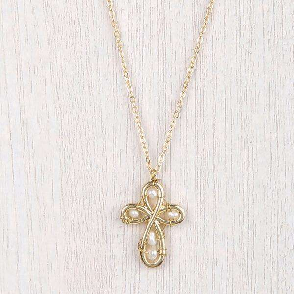 Ainsley Simple Necklace Cross