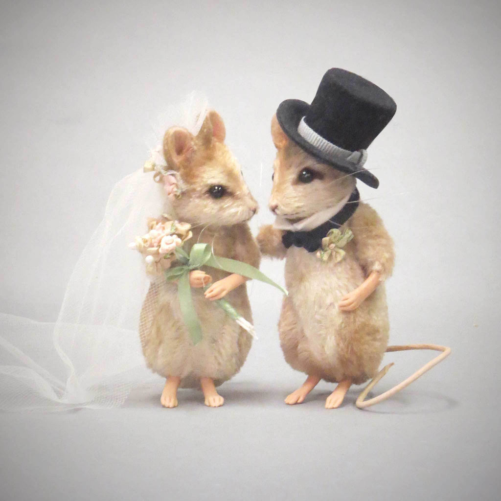 Bride & Groom Mice