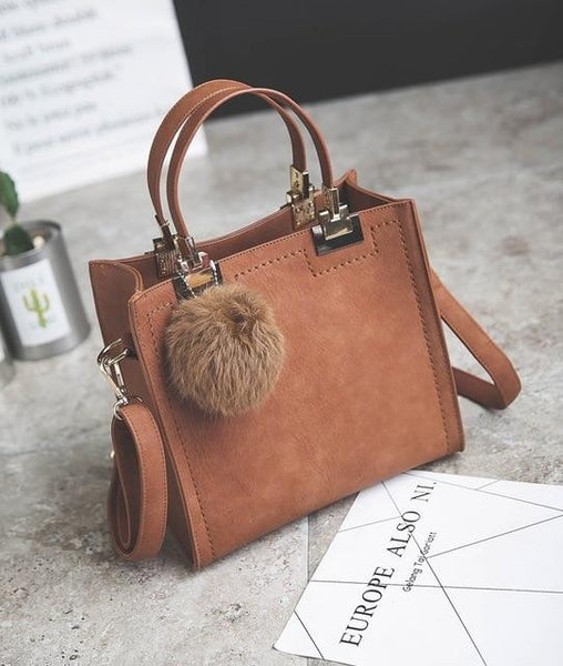 Brielle - Fluffy Chain Handbag