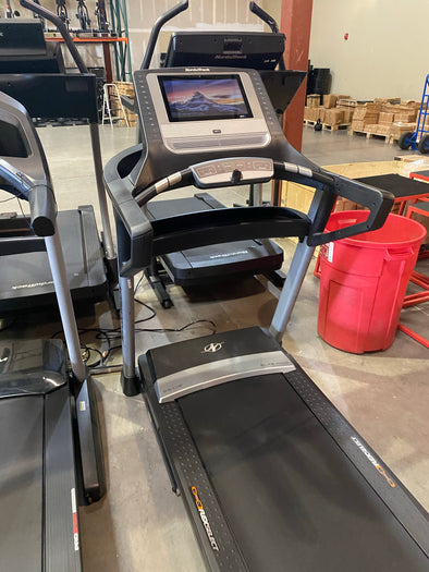 "2020 Nordictrack Elite 1400 Treadmill w/ HUGE 14"" Touchscreen"