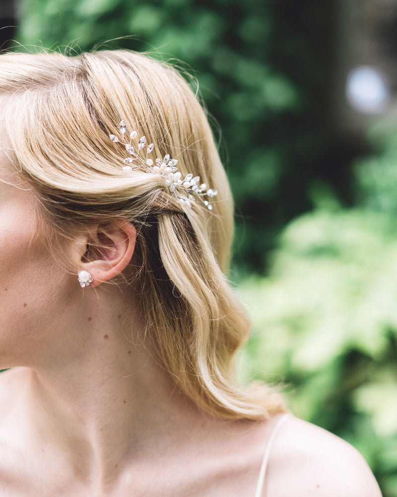Model wearing Aster Swarovski crystals freshwater pearls bridal hair comb