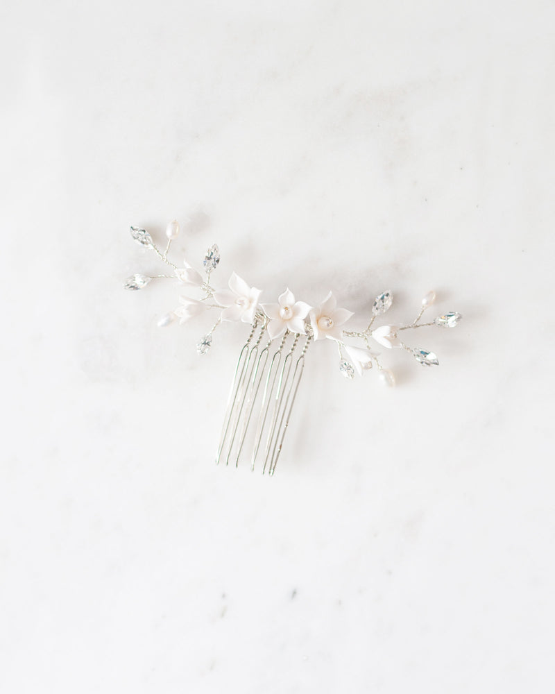 Details of belle fleur silver bridal hair comb swarovski crystals and fresh water pearl