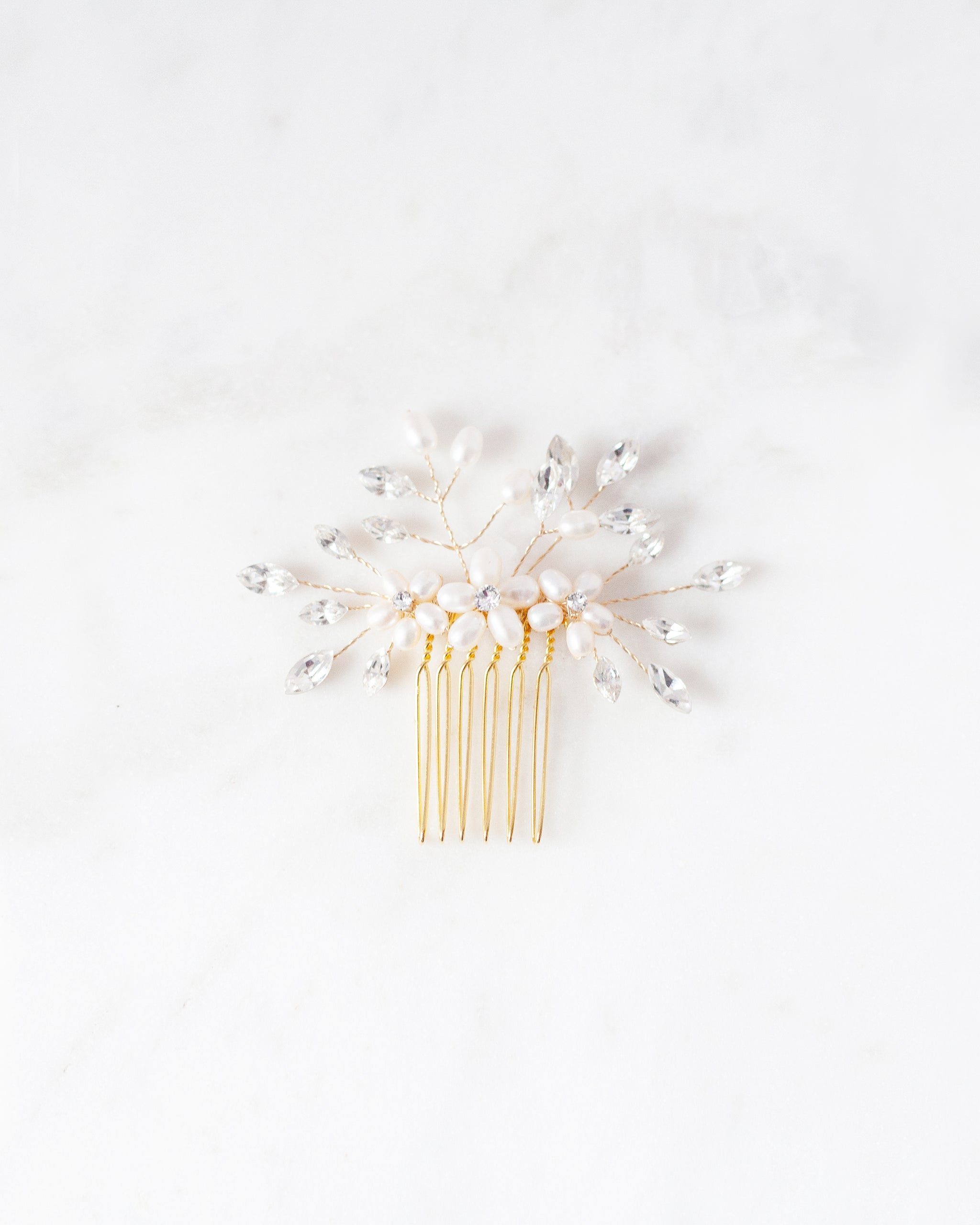 Delicate Pearl & Crystal Comb