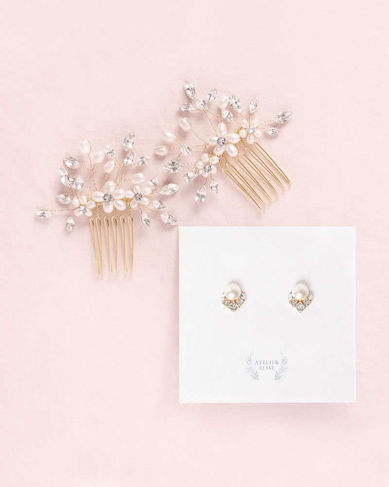 Bridal headpiece with matching pearl earrings