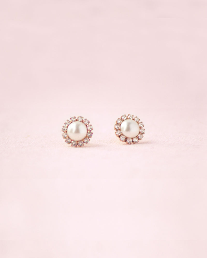 Swarovski crystals halo pearl earrings in gold cream