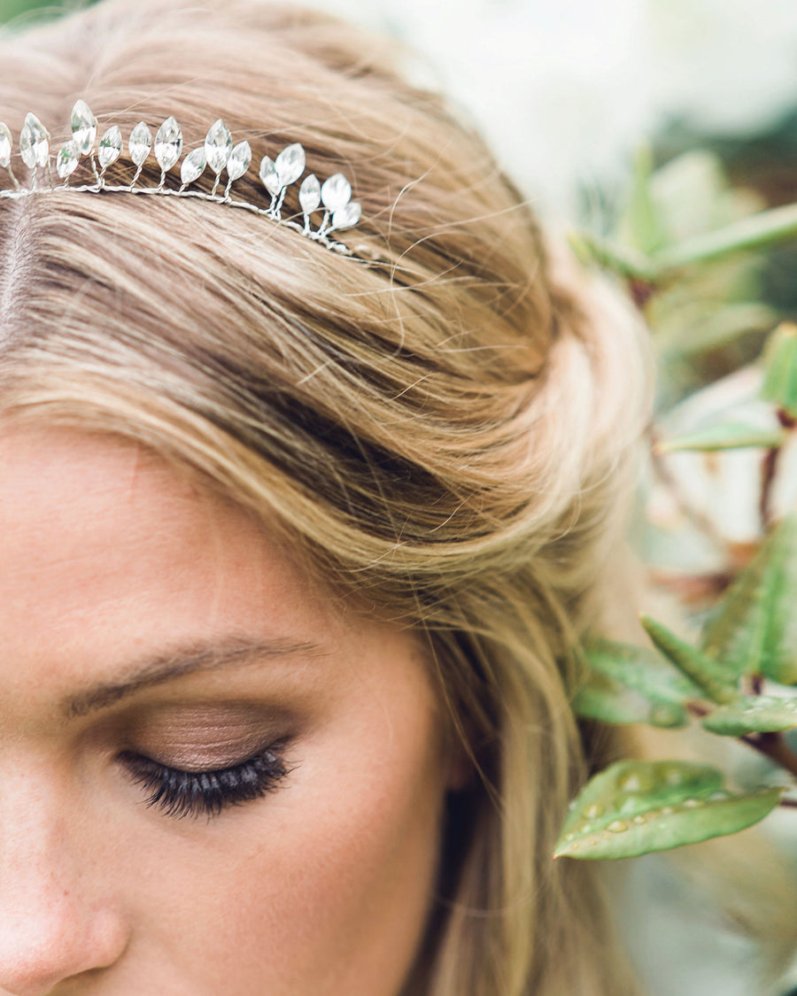 A delicate crown made of sparkling Swarovski crystals.