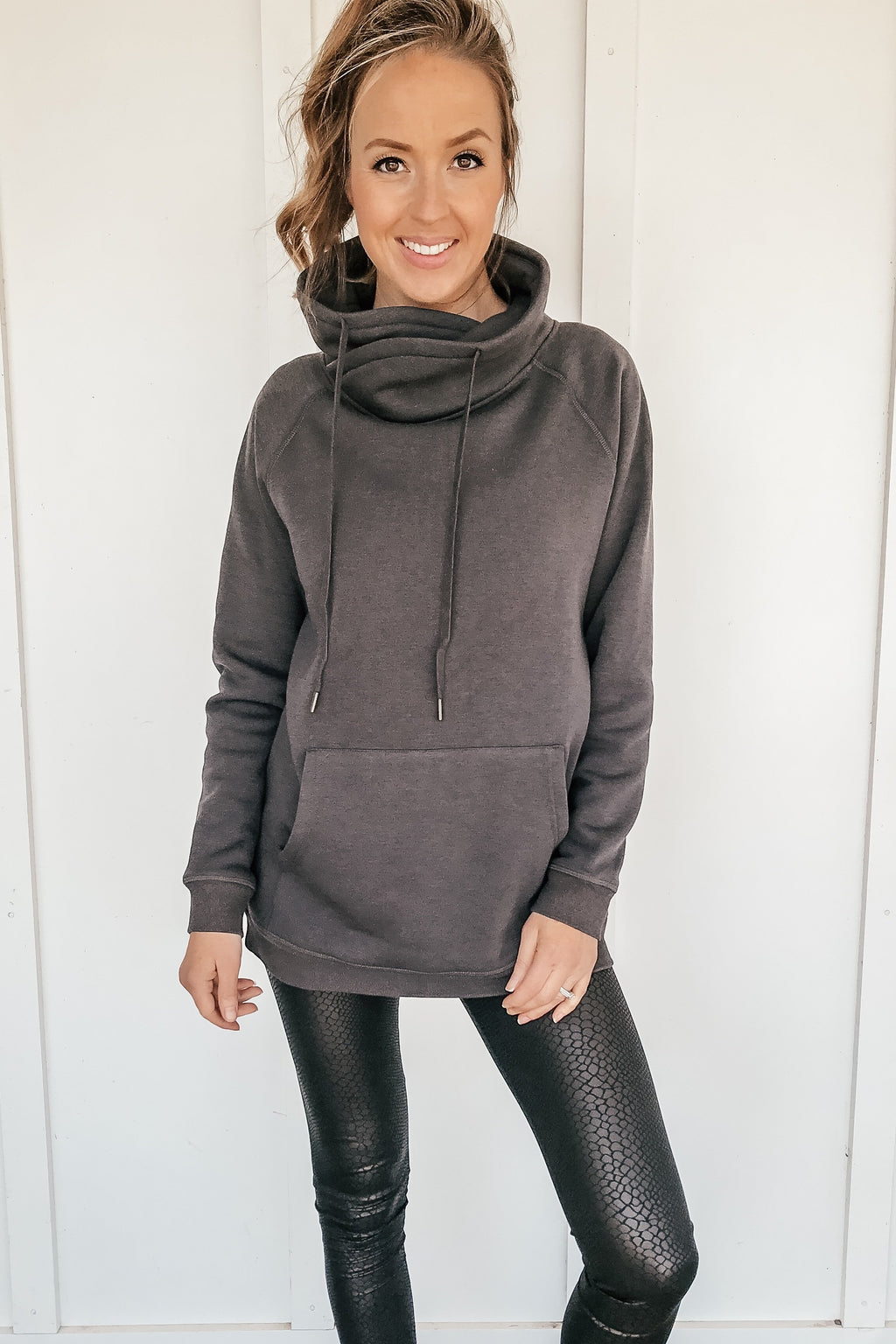 The Sporty Sweatshirt in Charcoal