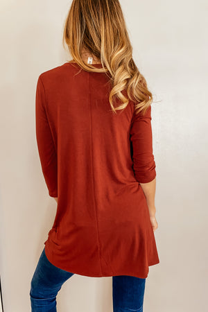 Classic 3/4 Sleeve V-Neck Tunic in Wine