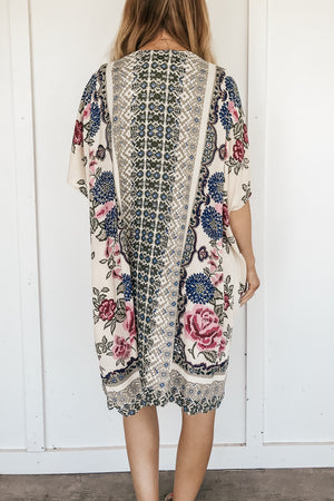 Salvador Floral Kimono (2 Colors Available)