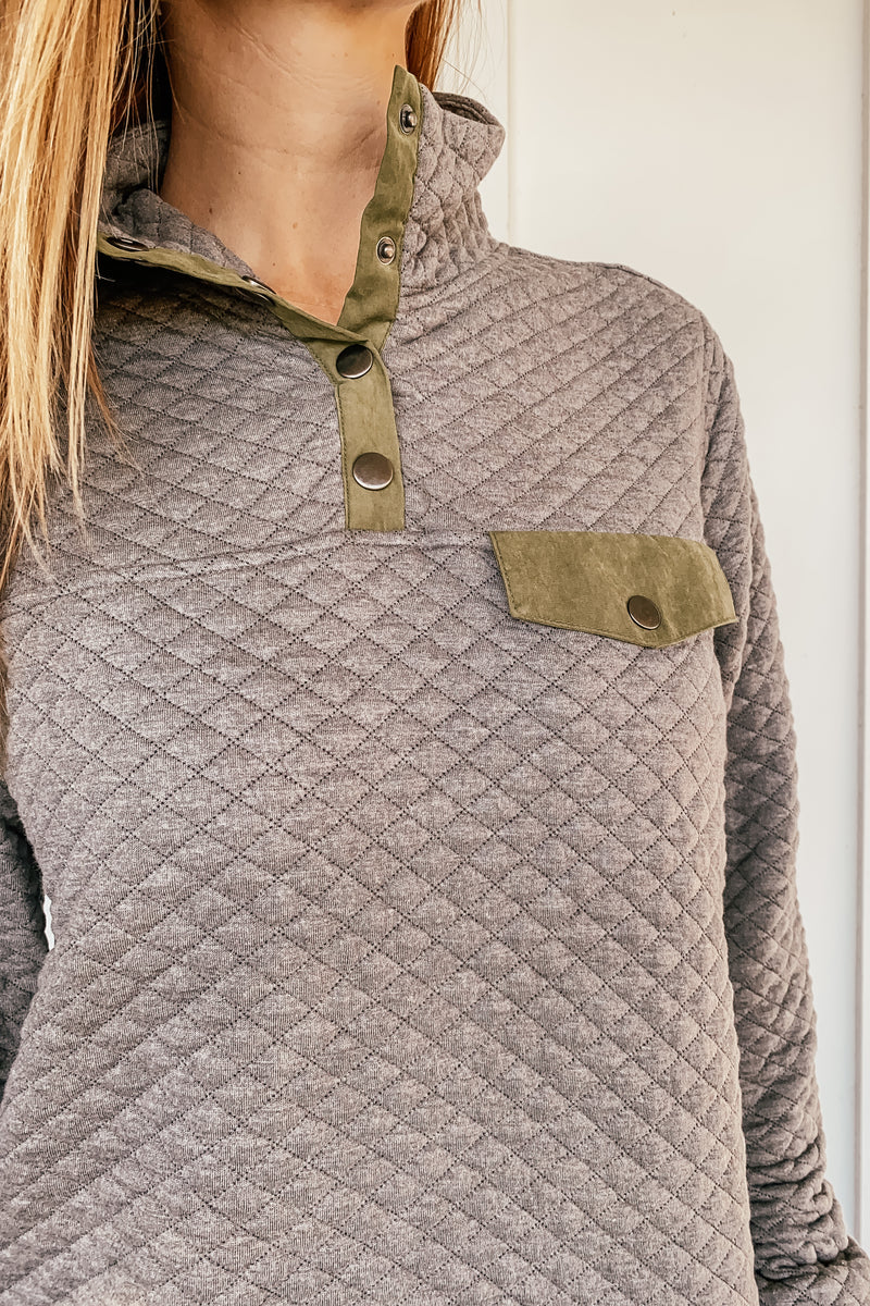 Diamond Quilted Snap Pullover in Gray