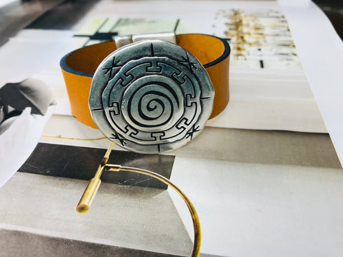 Mustard Silver Circle Leather Bracelet