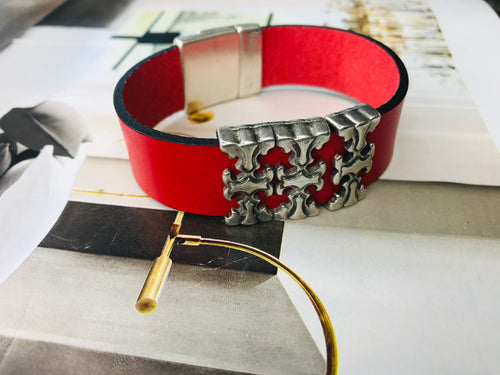 "Red ""3 T"" Silver Leather Bracelet"