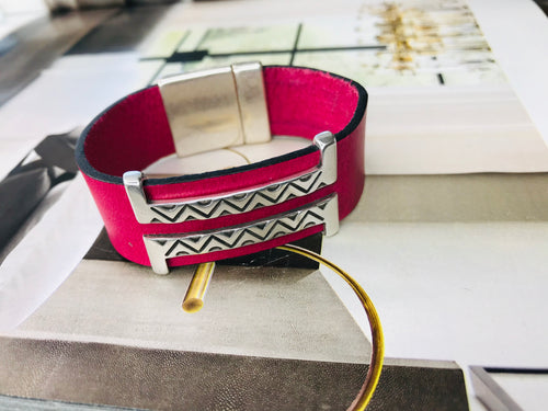 Fuchsia Double Silver Leather Bracelet