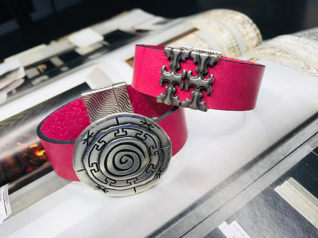 Pink Silver Circle Leather Bracelet