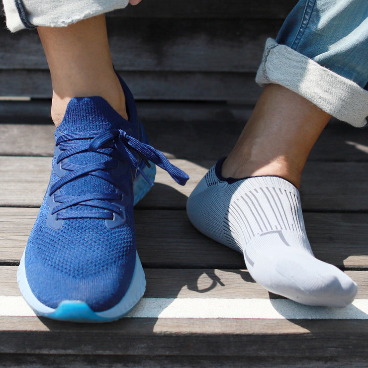 3-D Knitted Compression Anti-Odor No-Show Socks