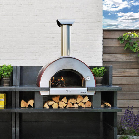 Alfa Forni 5 Minuti Countertop Wood Fired Pizza Oven in Outdoor Patio
