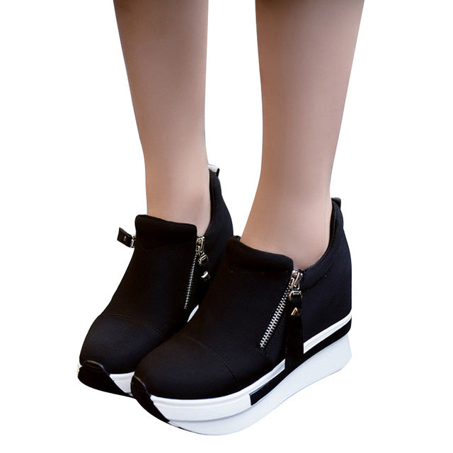WOMAN'S BOOTS  -  Creepers Slip On Ankle Boots
