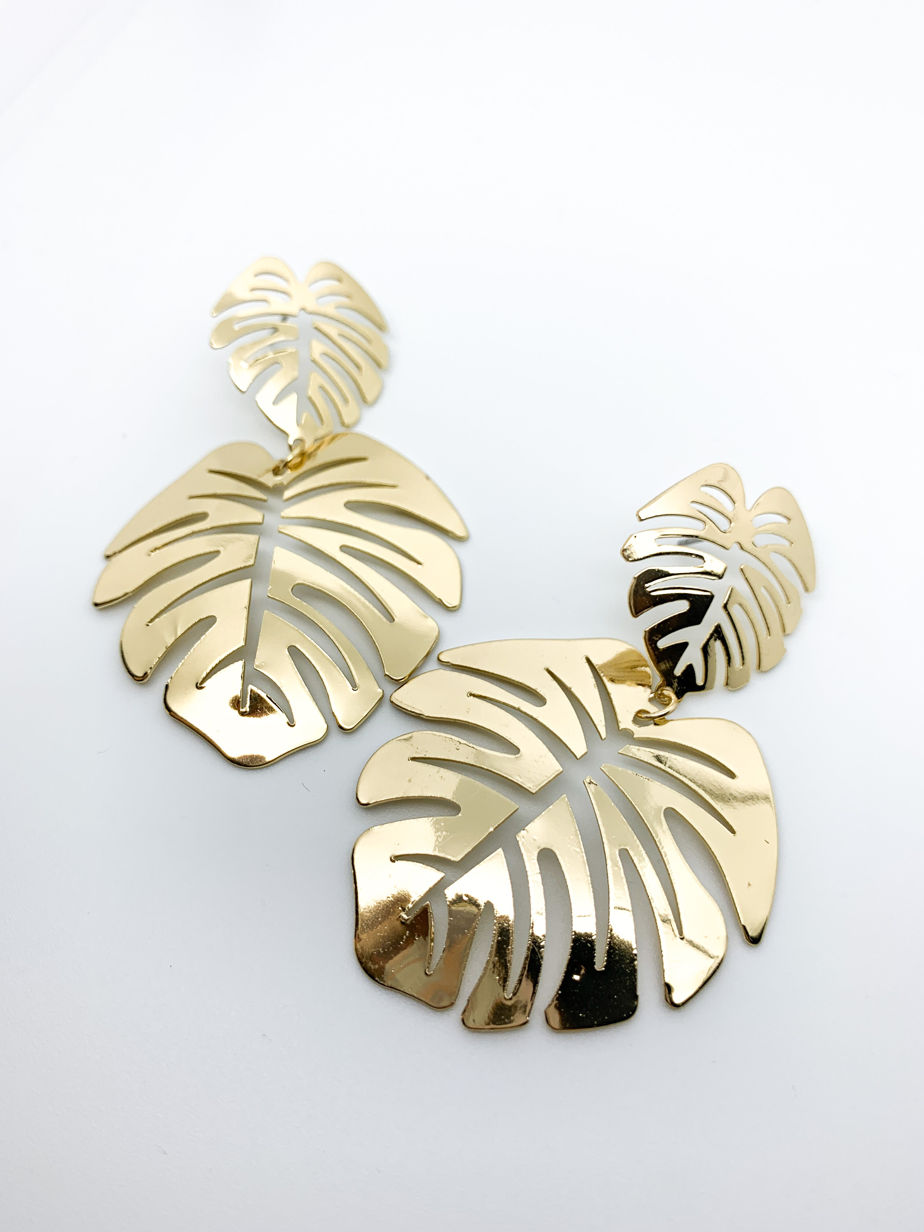 GOLD LEAF EARRINGS - Plush Boutique