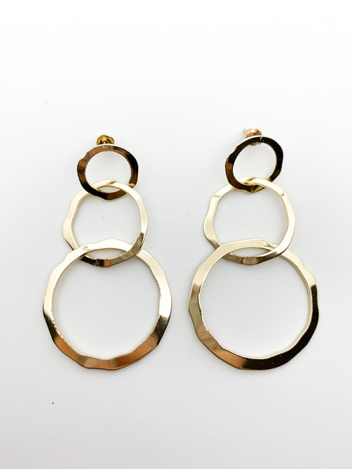 GOLD CIRCLE DANGLE EARRINGS - Plush Boutique