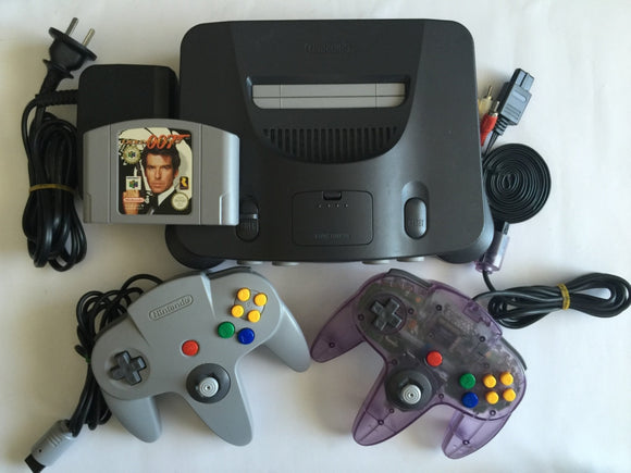 Nintendo 64 N64 Console with 2 Controllers & Goldenye 007