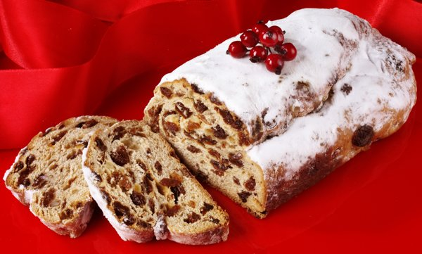 stollen-bread-for-christmas