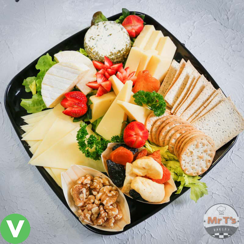 cheese platter with crackers-1
