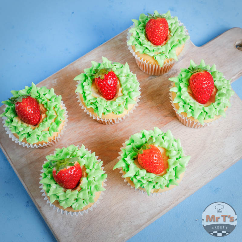 cupcakes-with-strawberry