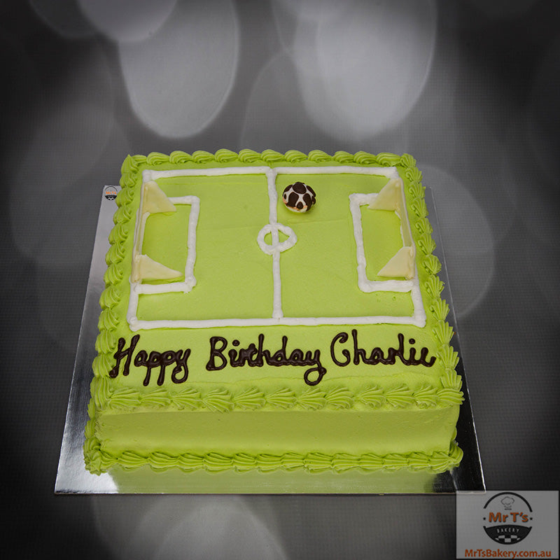 soccerfield-icing-cake