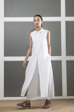 High Slit Sleeveless Shirt- White