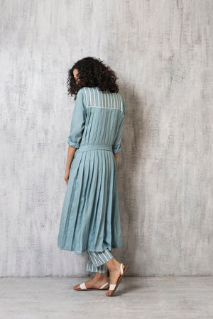 Back pleat Jacket- Cloudless blue