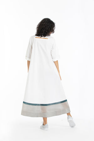 Turtle neck dress-White