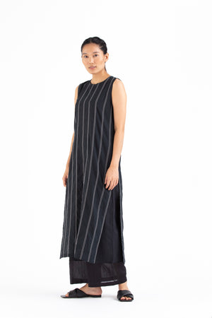 Round Neck Embroidered Slip- Black