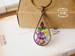 Natural Dried Flower Teardrop Pendant Necklace