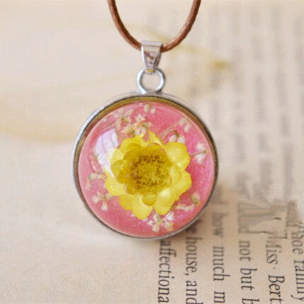 Natural dried yellow rose flower necklace