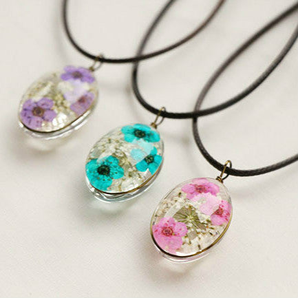 Natural Dry Flower Statement Necklaces