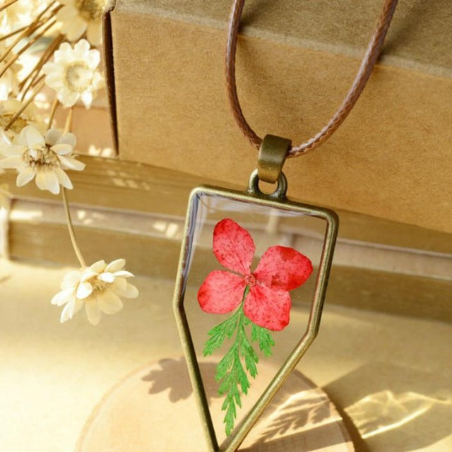 Natural Dry Flowers Necklace
