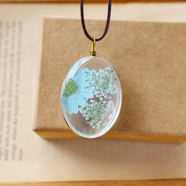 Chrysanthemum Lace Glass Necklace