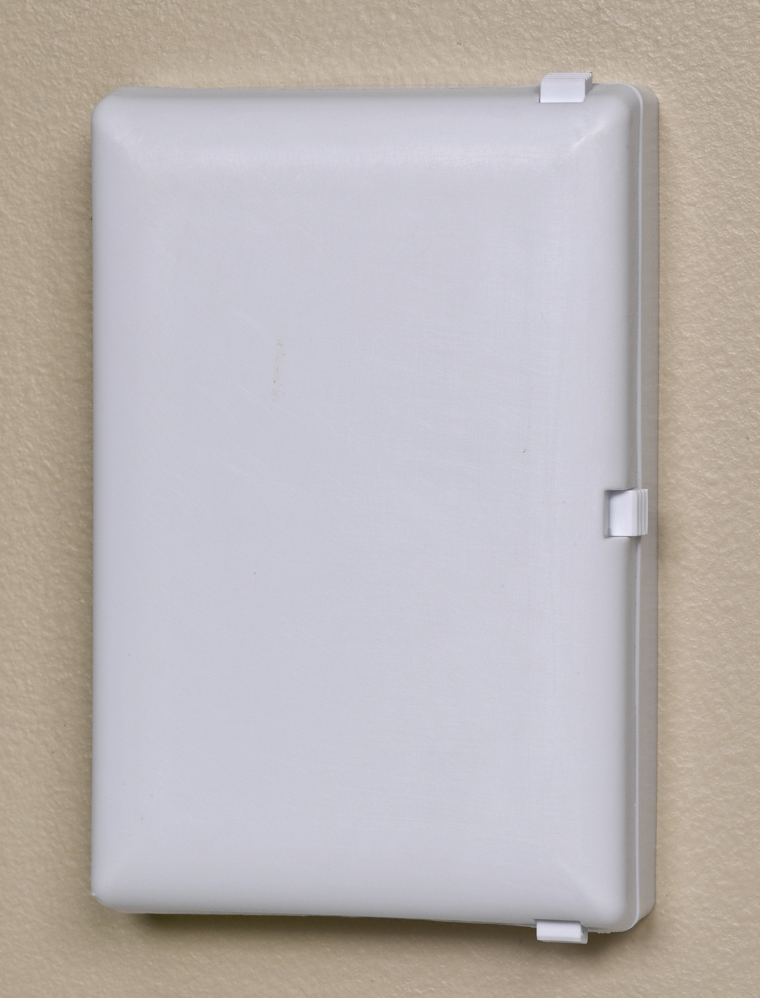 Child Be Safe Child and Pet Proof Electrical Switch Protector (Traditional Switch)