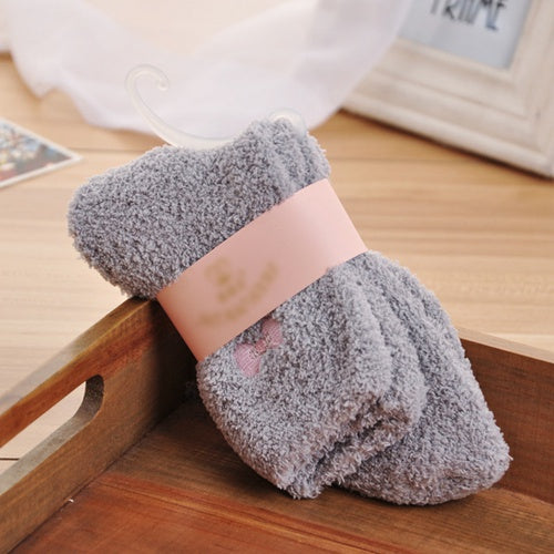 2017 New Women Winter Women Ladies Soft Warm Fluffy Bed Socks Thickening Velvet Bow Thermal Sokken Cute Socks calcetines mujer