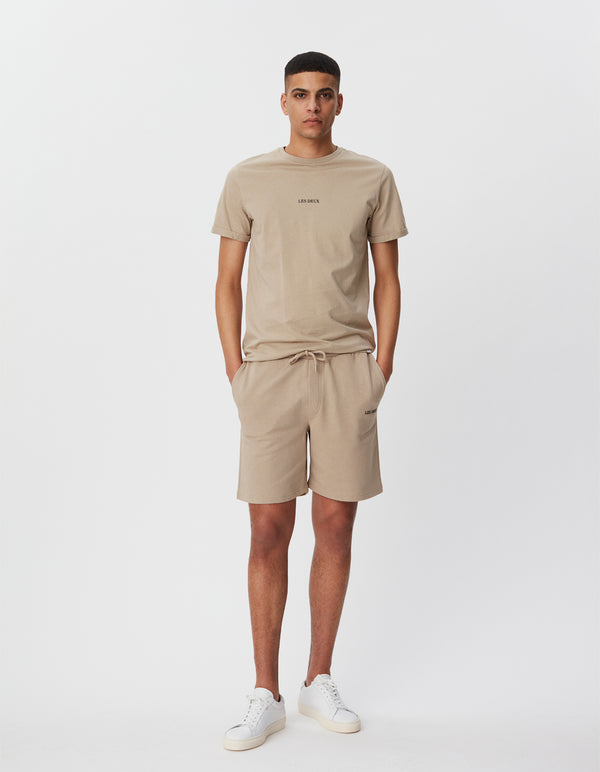 Les Deux MEN Lens Sweatshorts Shorts 810100-Dark Sand/Black