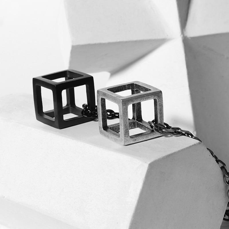collier homme cube