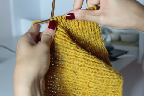 Easy gifts to make at home: knitting