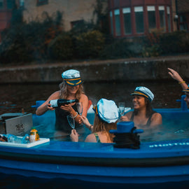 HotTug Down London's Canals