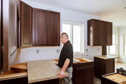 How to Install a Quartz Countertop: 8 Tips for Success ...