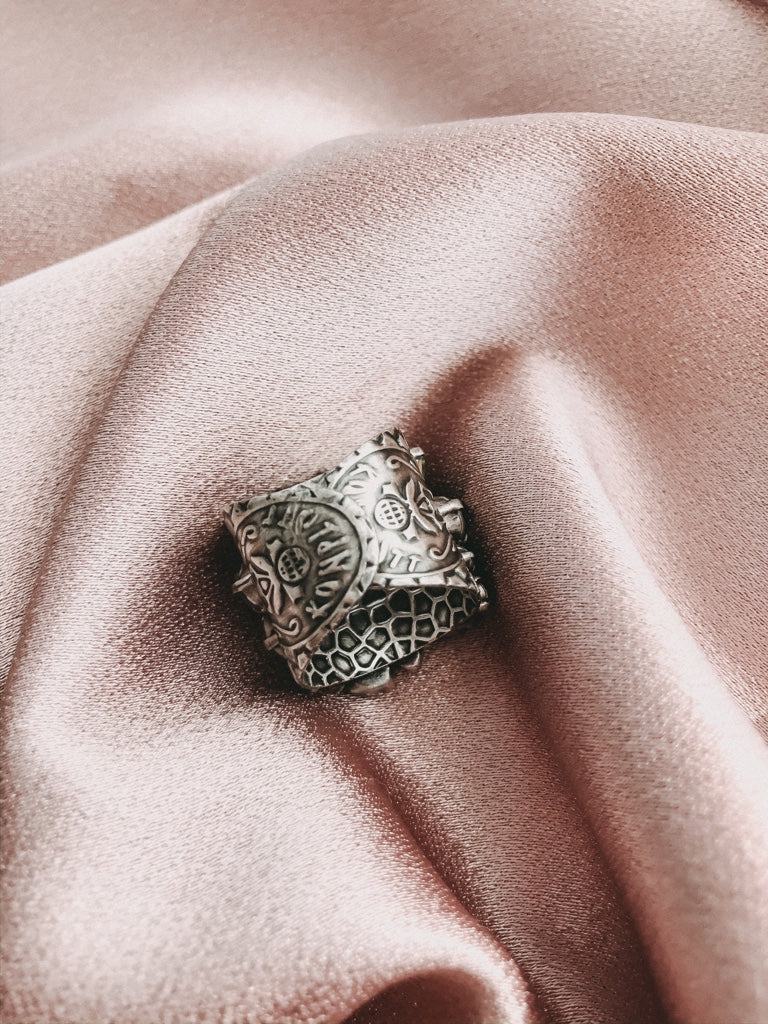 TO KATHARINE WITH LOVE | Ring