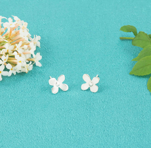 Delicate Daisy Studs - Milly & Co.