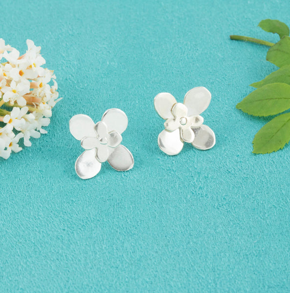 Large Daisy Studs - Milly & Co.