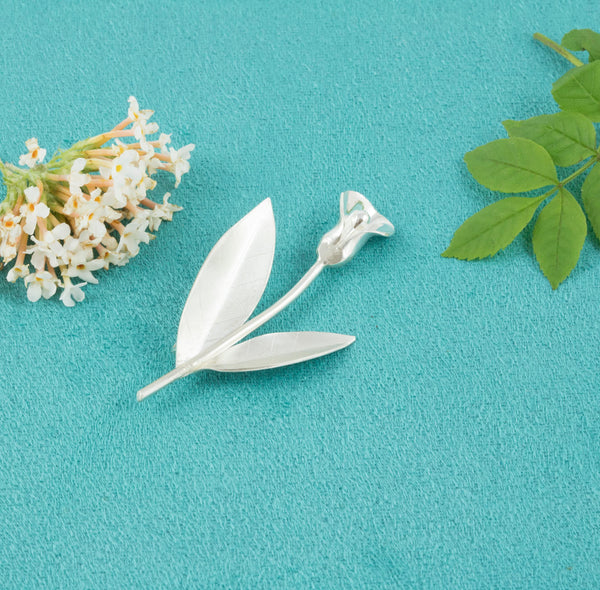 Sterling Silver Lily Brooch - Milly & Co.