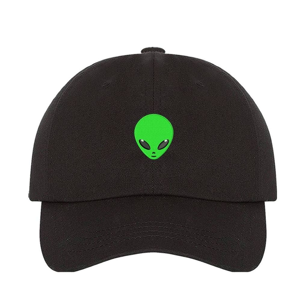 Black baseball hat embroidered with a green alien in the front - DSY Lifestyle